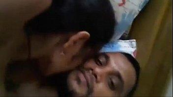 Приёмная мамочка раздвинула молодую доченька на лесбийский секс