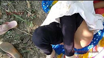 Стриженная блондинка в сногсшибательном нижнее белье ебет себя здоровым хуезаменителем