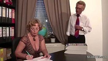 Страстный куннилингус и анальный секс для брюнетки