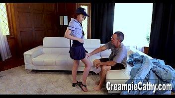Фаллоимитатор помог массажисту завести голую клиентку и вызвать у неё пожелание сношаться