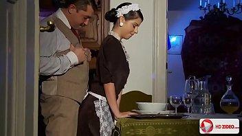 Сладкий домашний отсос от русской дамы в большой ванной комнатке